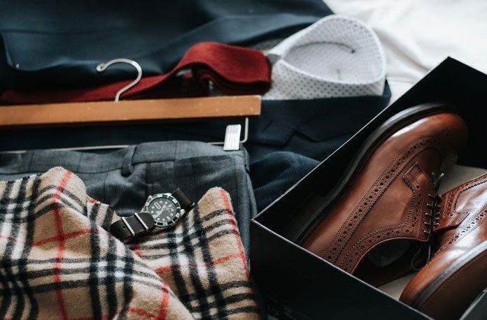 Elementele esentiale ale garderobei masculine pentru petreceri formale